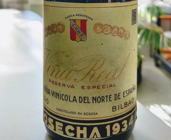 Fotografía de la etiqueta de la botella de Viña Real Reserva Especial 1934